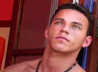 Câlin exhib pour deux superbes beaux mecs gays amateurs TTBM !